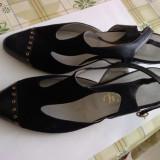 Sandale dama, Marime: 35 - Sandale NOI Originale Piele Italia Alb si Negru