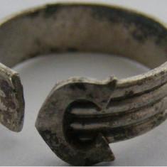 Inel vechi din argint cu litera C - de colectie - Inel argint