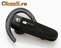 Комплектация Sony-Ericsson HBH-PV702: Зарядное устройство Гарнитура...