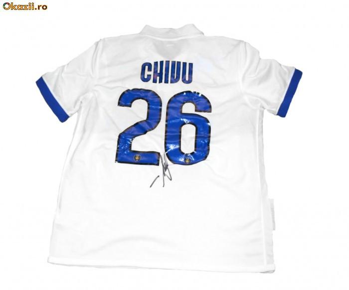 Tricoul lui Cristi Chivu! Echipa Bloggerilor lupta pentru Selena foto mare