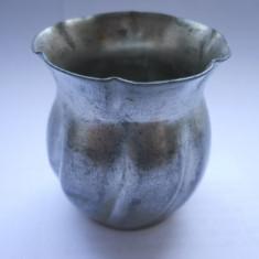 Obiect vechi-Mini-vas (metal gri) pentru micul dejun-4 cm inaltime