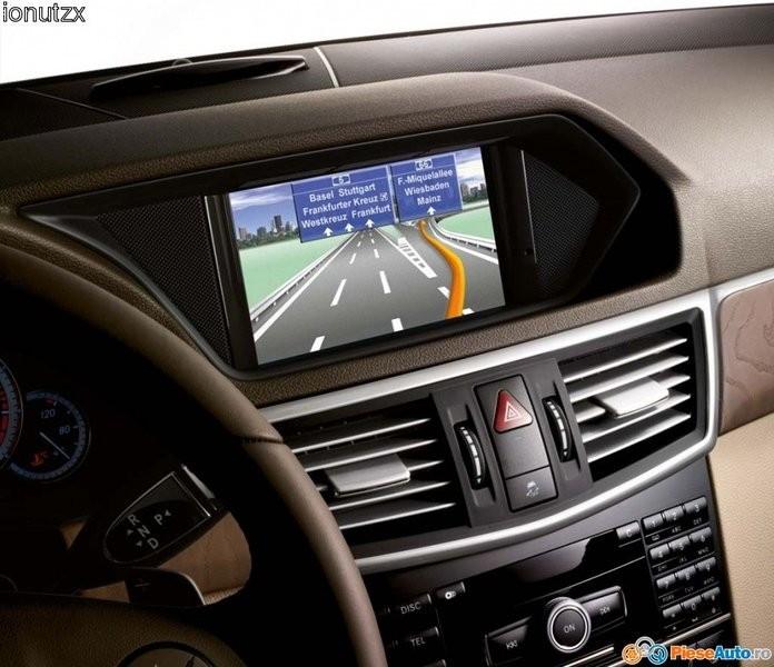 Software gps cd dvd navigatie harti mercedes benz a b c for Mercedes benz gps update