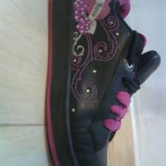 Papuci copii, Fete - Skateri