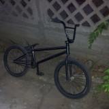 Vand Bicicleta BMX Nespecificat cu piese pe comanda, 21 inch, Curbat(Risebar), Aliaje de aluminiu, Fara amortizor