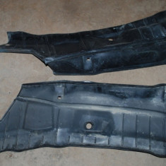 Protectie plastic sub parbriz Opel Corsa B - Grila