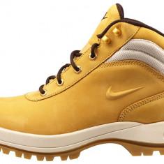 Nike Mandara (marimea 44) - Bocanci barbati Nike, Culoare: Bej, Bej