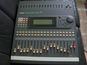 Vand mixer digital Yamaha Pro mix 01 - Programmable Mixer 01 - 16 canale foto