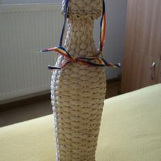 Sticla cu impletitura din rachita executata manual (obiect artizanat popular) - Arta din Sticla