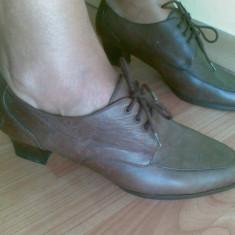 Pantofi dama, Marime: 38, Maro - Pantofi din piele marimea 38, sunt noi!