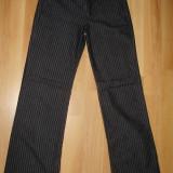 SUPER OFERTA !!! Blugi / Jeans dama GUESS, 100% ORIGINALI, model f frumos, negri cu dungi albe, mar. 27, NOI !!! - Blugi dama Guess, Culoare: Negru, Evazati, Lungi, Normal, Joasa