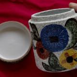 cutie - vas din ceramica realizat manual pentru tutun zahar sau alte lucruri !!