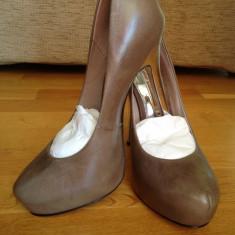 BUFFALO !!!!!! REGINA BALULUI-Pantofi cu platforma NOI Superbi Buffalo Reducere de la 550 Ron!!!! LIVRARE GRATUITA!!! - Pantof dama Buffalo, Marime: 39, Culoare: Cappuccino, Marime: 38, Cappuccino