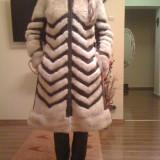 Vand haina nurca model deosebit