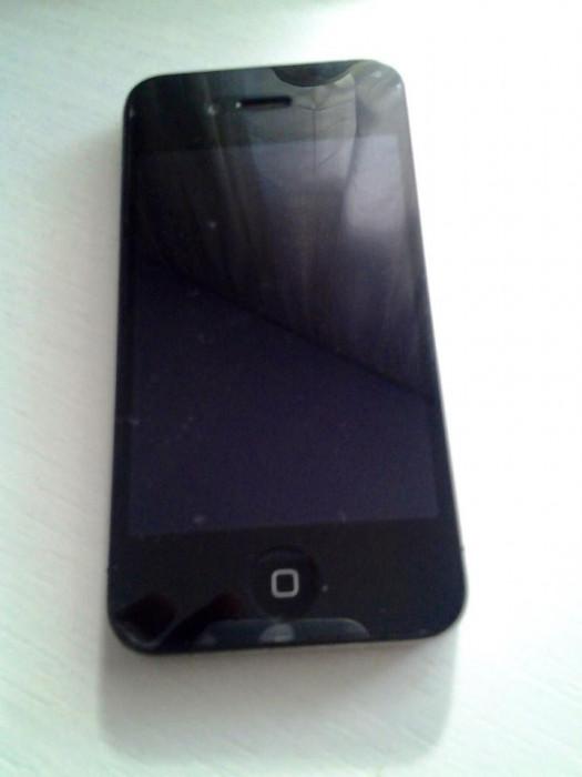 Vand IPhone 4 16GB codat pe Anglia Vodafone . foto mare