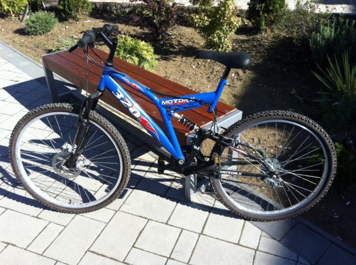Bicicleta MOTOR-X 320 foto mare