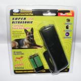 Aparat Ultrasunete autoaparare impotriva cainilor - Aokeman Sensor AD-100 Acest dispozitiv indeparteaza cainii cu ajutorul ultrasunetelor.Cu Aokem