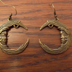 Cercei bronz cu fata zeitei Diana/Selena/Artemis