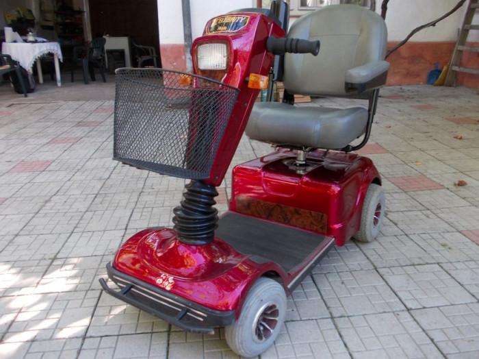 Celebrity Pride - Moped electric pentru persoane cu handicap locomotor foto mare