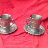 Metal/Fonta, Altul - 2 buc. - Cana din zinc de mici dimensiuni cu farfurioare - Marcate !!!