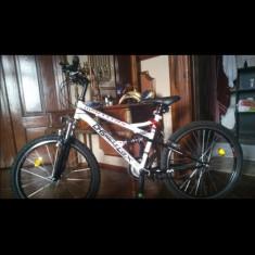 Bicigleta aproape noua DSH Matrix - Bicicleta de oras DHS, 22 inch, Numar viteze: 7