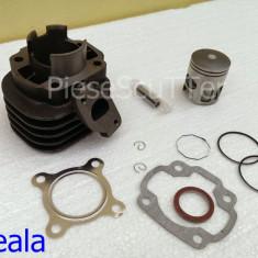 Set cilindri Moto - Kit cilindru / Set Motor + Piston + Segmenti Scuter Malaguti F10 / F12 / F15 / Centro / Ciak ( 2T / 65cc / Racire Aer )