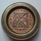 Metal/Fonta, Ornamentale - Suport VAZA din alama