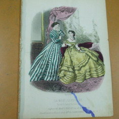 Revista moda - Moda costum rochie evantai gravura color La mode illustree Paris 1866