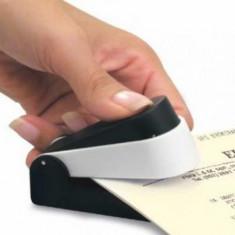 Dispozitiv de fixare a hartiilor (capsator fara capse)
