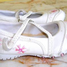 Pantofi copii, Fete - Pantofi pentru fetite marimea 26 si 29 locatie cutia 5