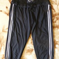 Pantaloni dama - Pantaloni ¾ Doha cu dantela; marime M: 70-96 cm talie elastica; 73.5 cm lungime