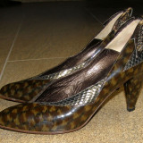 Pantofi dama marca Moda Denis piele marimea 37  ( locatie raft 7 / 5 )