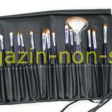 Trusa Set profesional 24 Pensule Machiaj Fard Pudra Rimel Sprancene Pensula