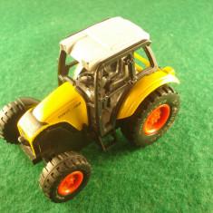 Macheta auto Alta - Tractor RARIT 362 din plastic. Made in China. Este in stare buna, se aprinde far in fata, necesita bateri..