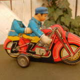 Jucarie veche, motocicleta din tabla - Colectii