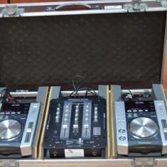 CONSOLA DJ - 2 x PIONEER CDJ 200 + 1 x American DJ Audio Q-D6 - Console DJ