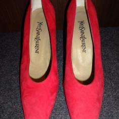 Pantofi piele intoarsa Yves Saint Laurent - Pantof dama Yves Saint Laurent, Marime: 37.5, Culoare: Rosu