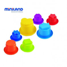 Piramida Din Cupe Pentru Bebelusi Miniland - Jucarie zornaitoare