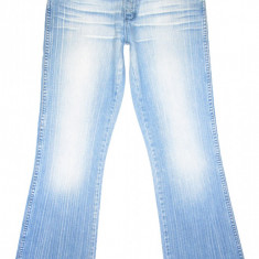 Blugi WRANGLER Evazati - (MARIME: 30 x 32) - Talie = 78 CM, Lungime = 106 CM - Blugi dama Wrangler, Culoare: Albastru, Normal, Joasa