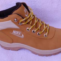 Bocanci barbati, Piele sintetica - Bocanci Nike Mandara Ghete Nike