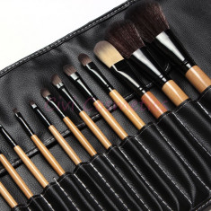 OFERTA Trusa machiaj profesionala set 18 pensule machiaj make up profesionale Bobbi Brown pensoane cu borseta inclusa - Pensula make-up