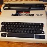 Masina de scris - Masina scris electrica A3 A4 HG S 1000
