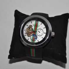 Ceas Gucci Pantcaon - Ceas barbatesc Gucci, Sport, Mecanic-Manual, Metal necunoscut, Cauciuc, Analog