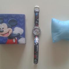 Vand Ceas de Mana Mickey Mouse Model 2015 Curea din Material Piele PRET 30 Lei - Ceas copii Disney, Analog