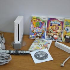 Nintendo Wii U - WII 5 JOCURI, NUNCHACK, SENZOR SI CABLURI