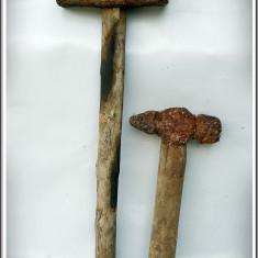 Metal/Fonta - LOT 2 CIOCANE VECHI DE FIERĂRIE, ANII 1800, COZI ORIGINALE, NECURĂȚATE, 2.7 KG!