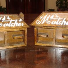 Suport de chibrituri vechi de lemn lucrate manual set doua piese - Mobilier