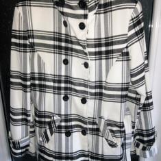 Palton dama Noriel - Palton toamna/iarna dama femei fete alb cu dungi negre marimea 42 L cu cordon