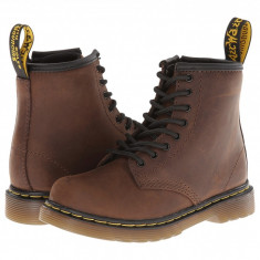Ghete copii - Dr. Martens Kid's Collection Brooklee 8-Eye Boot (copii)   100% originali, import SUA, 10 zile lucratoare - z12809