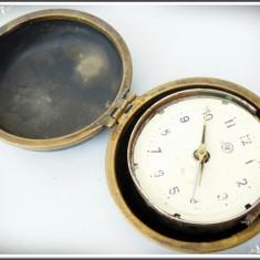 """CEAS DE VOIAJ ROMÂNESC - """"VICTORIA"""", ÎN CUTIA ORIGINALĂ DIN EBONITĂ ȘI ALAMĂ! - Ceas de buzunar vechi"""