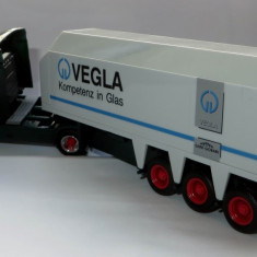 Herpa Scania Hauber 124L transport sticla Vegla 1:87 - Macheta auto
